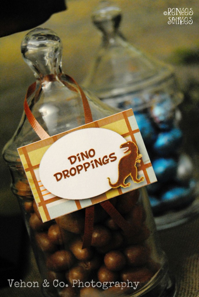 dino party table food